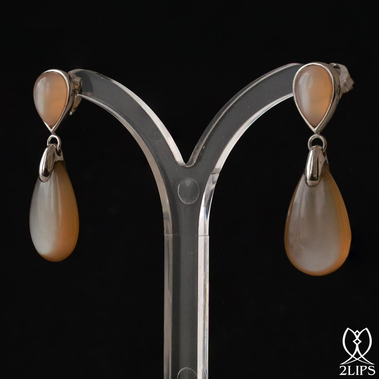 18k-white-gold-moonstone-2lips-colours-earrings-design-david-aardewerk
