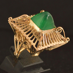 22k-gold-colonial-green-agate-pagoda-ring