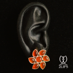 2lips-tulip-keukenhof-flower-earstuds-carnelian-earrings-dutch-design-david-aardewerk-18k-gold