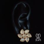 2lips-tulip-keukenhof-flower-earstuds-earrings-dutch-design-moonstone-david-aardewerk-18k-gold
