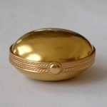 porcelain-and-gold-pill-box-by-tiffany-co
