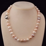 coin-pearl-necklace