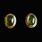 14-carat-yellow-gold-earstuds-with-cabochon-cut-green-tourmaline