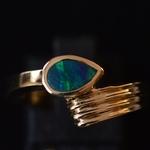lightning-ridge-black-opal-gold-ring