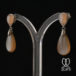18k-white-gold-moonstone-2lips-colours-earrings-design-david-aardewerk