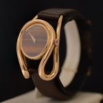 gold-70s-design-watch-chopard