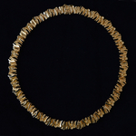 gold-necklace-model-archipel-marjut-kemppi-alpo-tammi-finland